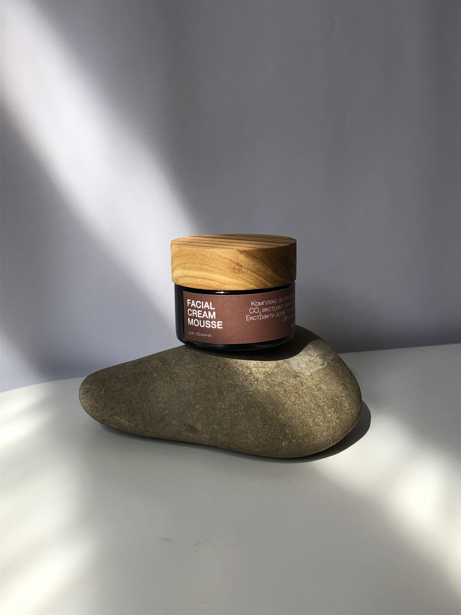 Зріла шкіра: догляд LOVE YOUR AGE від Lac Santé 1